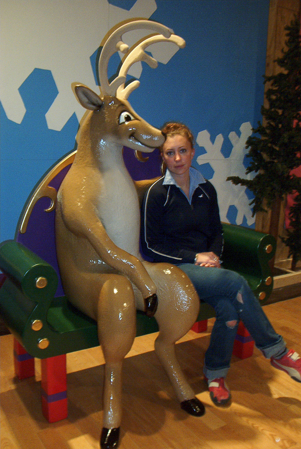 park-meadows-mall-xmas-chair1