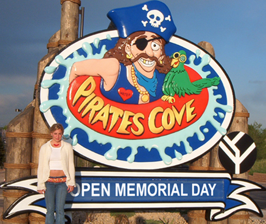 pirates-cove-sign2