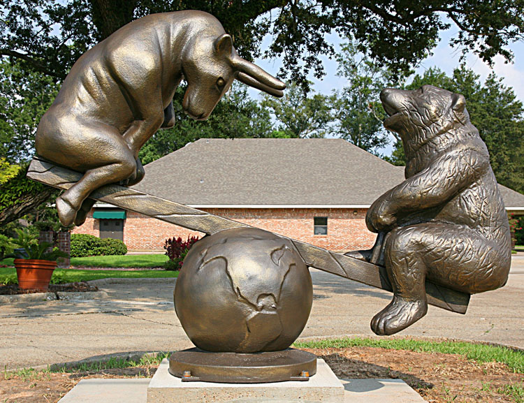 3d-foam-sculpture-of-bull-and-bear